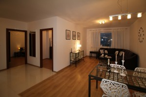 Pequeno Apartamento com móveis sob medida