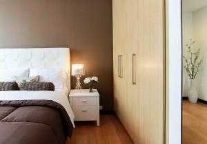 guarda-roupas e cama planejados