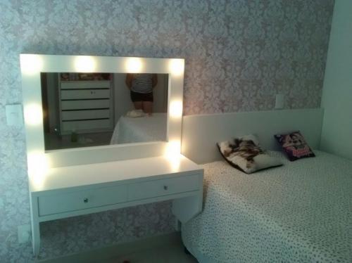 quarto-planejado-escritorio-espelho-marcenaria