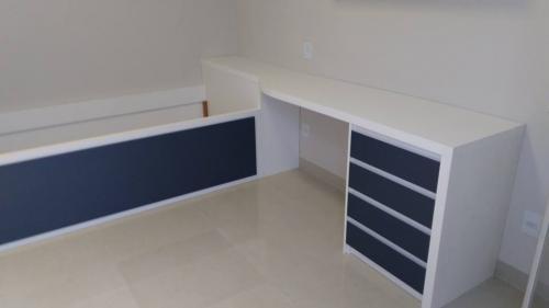 quarto-solteiro-planejado-cama-escrivania-rio-preto